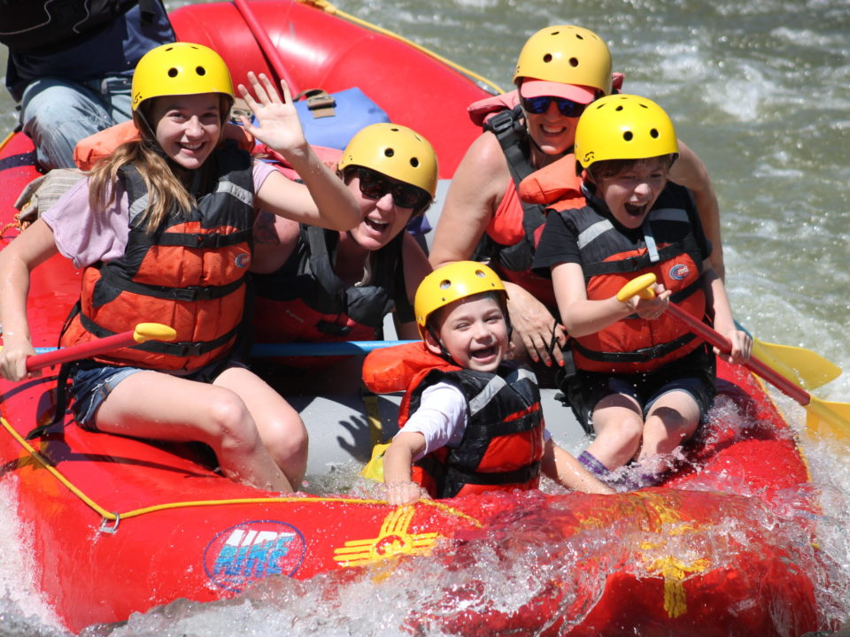 Family rafting in New Mexico